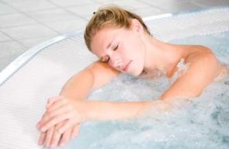 Мигрень: лечение расслабляющими ваннами